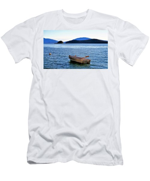 Canoe Men's T-Shirt (Slim Fit) by Martin Cline