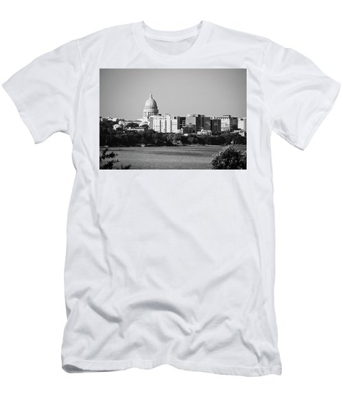 Capitol 5 - Madison - Wisconsin Men's T-Shirt (Athletic Fit)