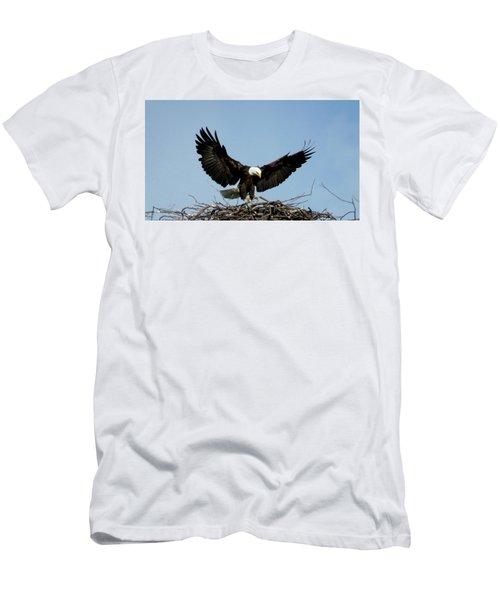 Cape Vincent Eagle Men's T-Shirt (Athletic Fit)