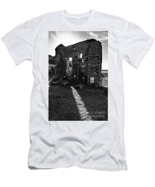 Photographs Of Cornwall Carnon Mine Men's T-Shirt (Slim Fit) by Brian Roscorla