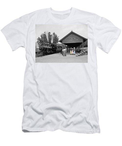 Catskill Railroad Men's T-Shirt (Athletic Fit)