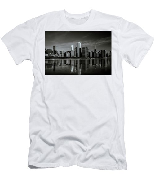 Chicago Lake Front Men's T-Shirt (Athletic Fit)