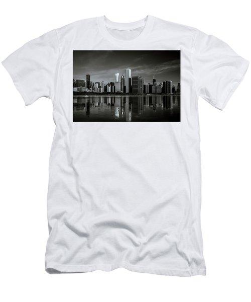 Chicago Lake Front Men's T-Shirt (Athletic Fit)