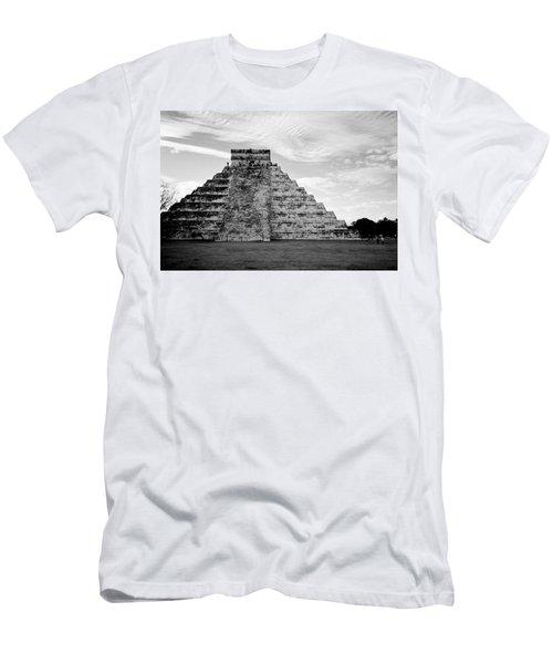 Chichen Itza B-w Men's T-Shirt (Athletic Fit)