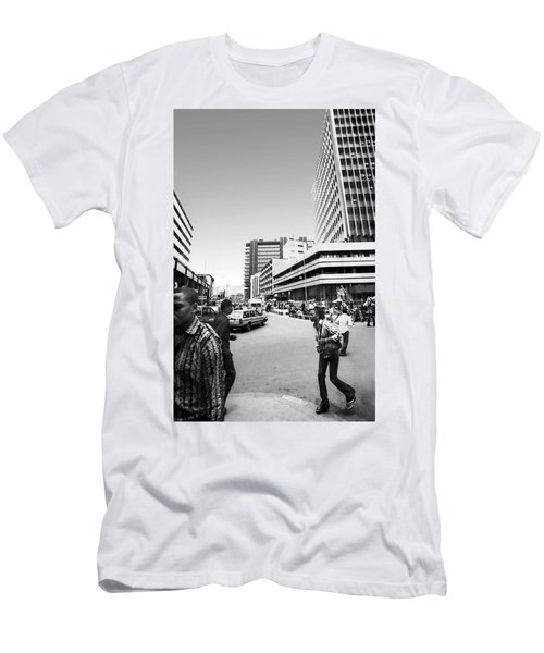 Cms Bus-stop Broad Street I Men's T-Shirt (Athletic Fit)