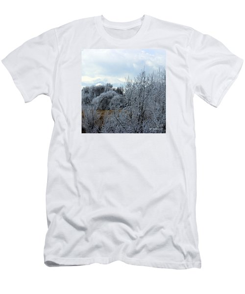 Colorado Springs Winter Men's T-Shirt (Athletic Fit)