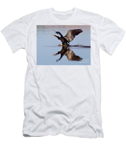 Darter Landing Men's T-Shirt (Slim Fit) by Bill Robinson