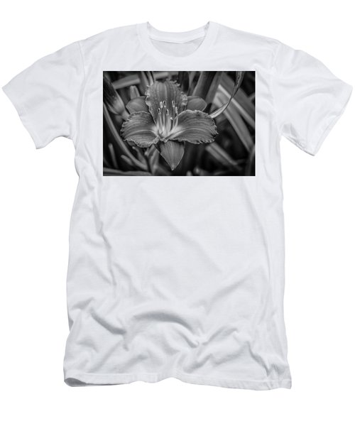 Men's T-Shirt (Slim Fit) featuring the photograph Day Lilly by Ray Congrove