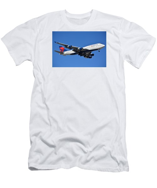 Delta Boeing 747-451 N662us Phoenix Sky Harbor January 12 2015 Men's T-Shirt (Athletic Fit)