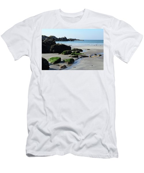 Derrynane Beach Men's T-Shirt (Athletic Fit)