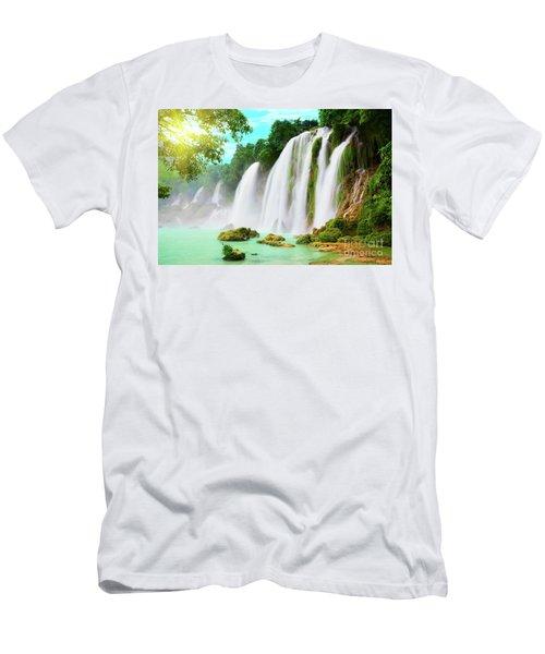 Detian Waterfall Men's T-Shirt (Athletic Fit)