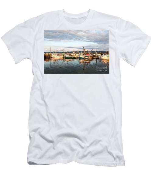 Digby Harbour Men's T-Shirt (Athletic Fit)