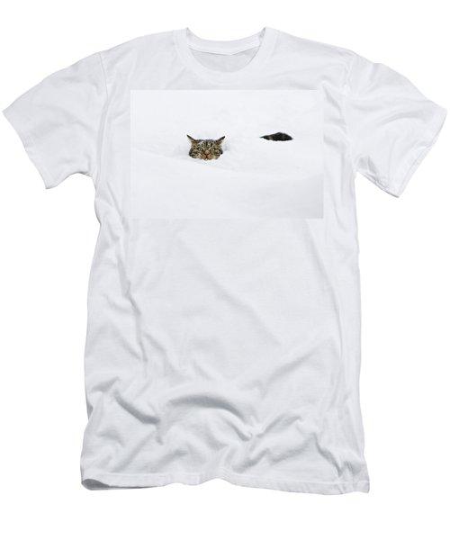 Domestic Cat Felis Catus In Deep Snow Men's T-Shirt (Athletic Fit)