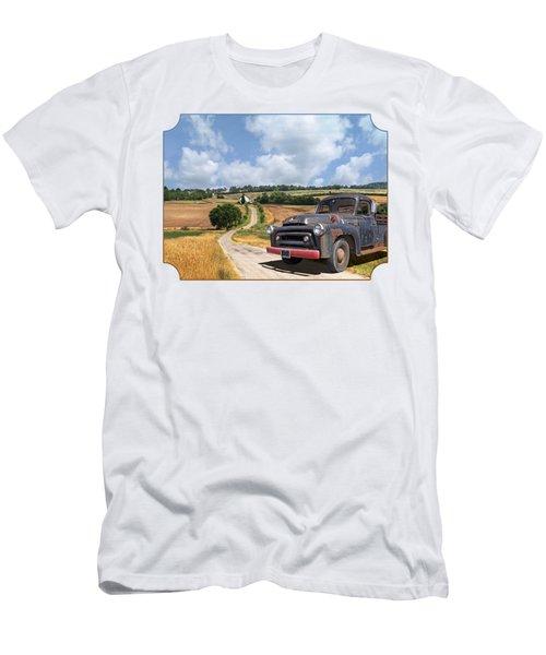Down On The Farm - International Harvester S-100 Men's T-Shirt (Athletic Fit)