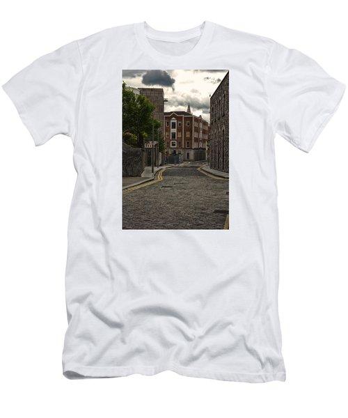 Dublin Street Men's T-Shirt (Athletic Fit)