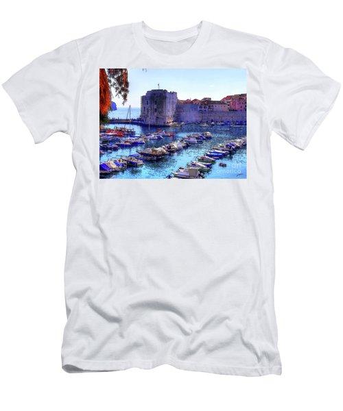 Dubrovnik Harbour Men's T-Shirt (Athletic Fit)
