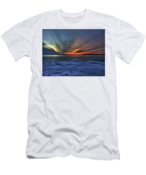 Eastern Lights  Men's T-Shirt (Athletic Fit)