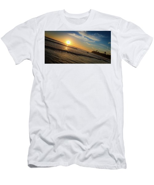 End Of Summer Sunset Surf Men's T-Shirt (Athletic Fit)