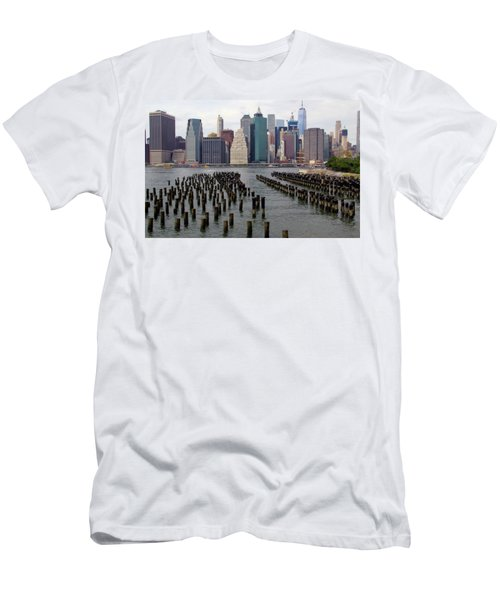 Ferry Hopping New York Men's T-Shirt (Athletic Fit)