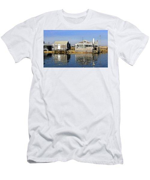 Fletchers Camp And The Little House Sandy Neck Men's T-Shirt (Athletic Fit)