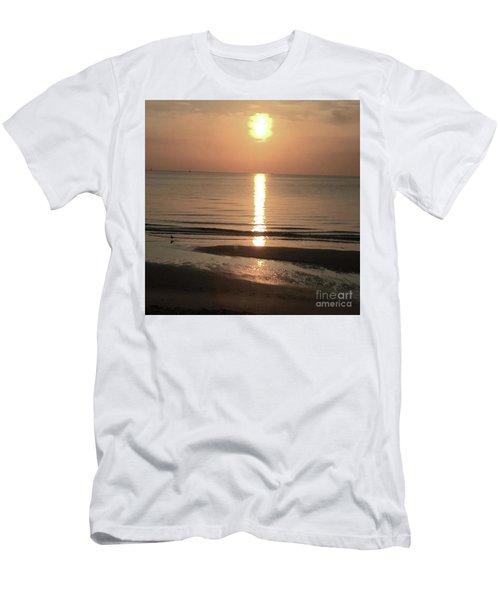 Focus On The Sunshine Men's T-Shirt (Athletic Fit)