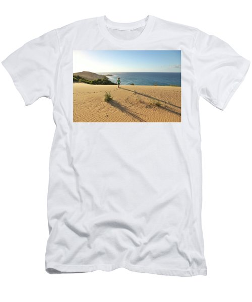 Footprints In The Sand Dunes Men's T-Shirt (Athletic Fit)