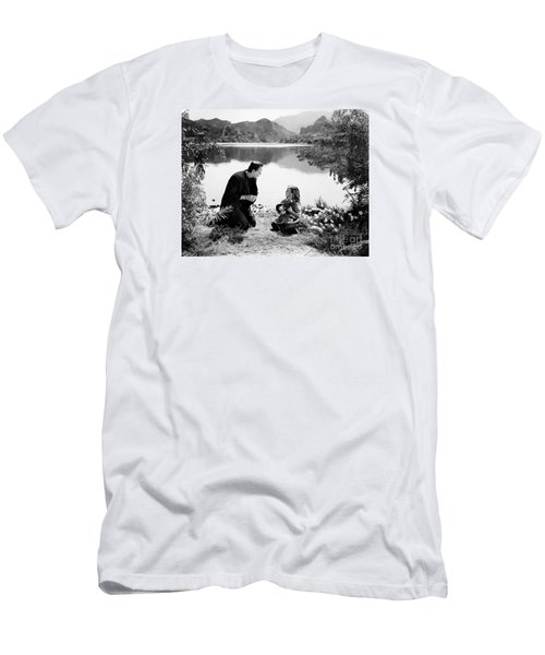 Frankenstein By The Lake With Little Girl Boris Karloff Men's T-Shirt (Athletic Fit)