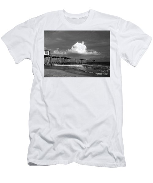 Frisco Pier 2015 B And W  Men's T-Shirt (Athletic Fit)