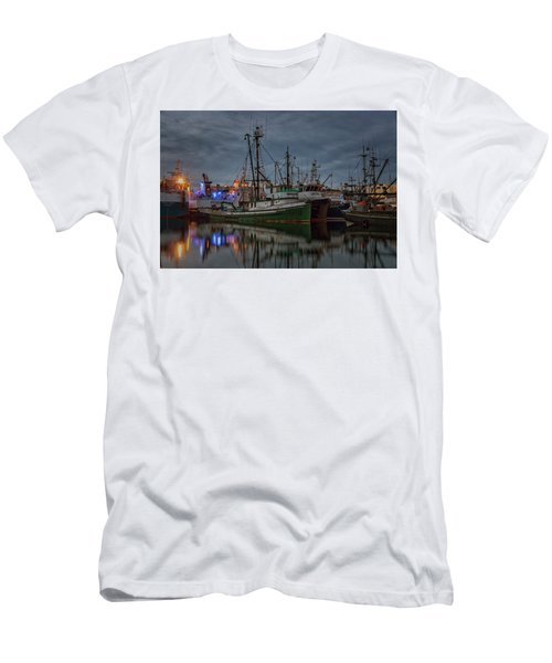 Men's T-Shirt (Slim Fit) featuring the photograph Full House 2 by Randy Hall