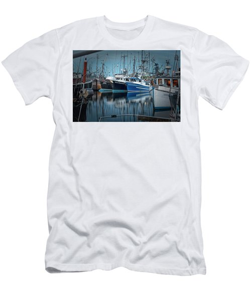 Men's T-Shirt (Slim Fit) featuring the photograph Full House by Randy Hall