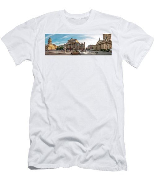 Gendarmenmarkt Platz / Berlin Men's T-Shirt (Athletic Fit)