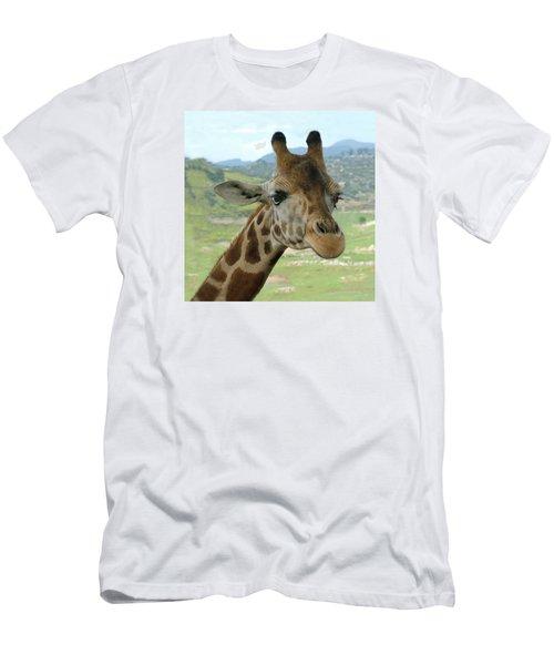 Giraffe Portrait Men's T-Shirt (Athletic Fit)