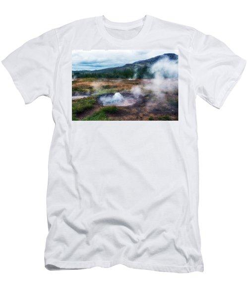 Golden Circle - Iceland Men's T-Shirt (Athletic Fit)