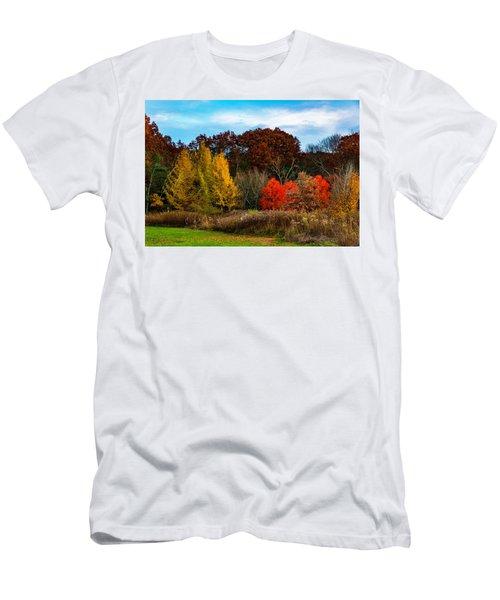 Great Brook Farm Autumn Men's T-Shirt (Athletic Fit)