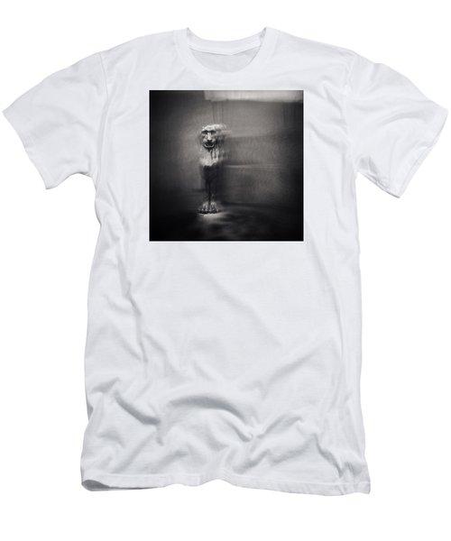 Griffin Men's T-Shirt (Athletic Fit)