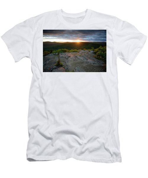 Hadley Mountain Sunset Men's T-Shirt (Athletic Fit)