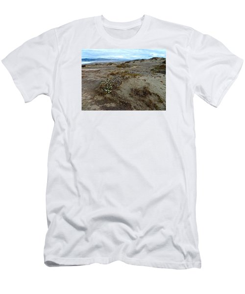 Headlands Mackerricher State Beach Men's T-Shirt (Athletic Fit)