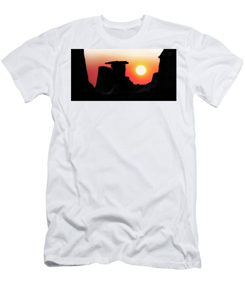 Hoodoo Sunrise Men's T-Shirt (Athletic Fit)