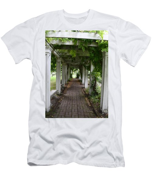 Horror Story Labyrinth Men's T-Shirt (Athletic Fit)
