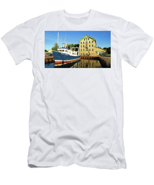 In The Evening Sun Men's T-Shirt (Athletic Fit)