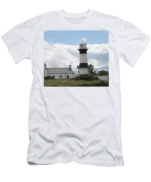 Inishowen Lighthouse Men's T-Shirt (Athletic Fit)