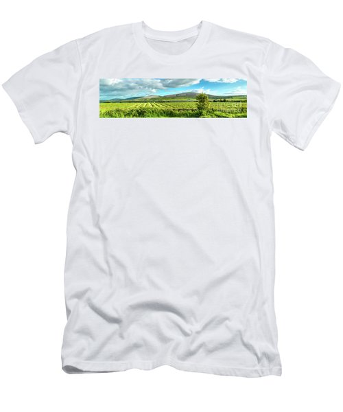 Ireland  - Burren Panorama Men's T-Shirt (Athletic Fit)