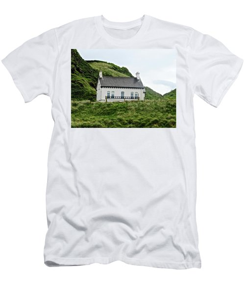 Irish Cottage Men's T-Shirt (Slim Fit)