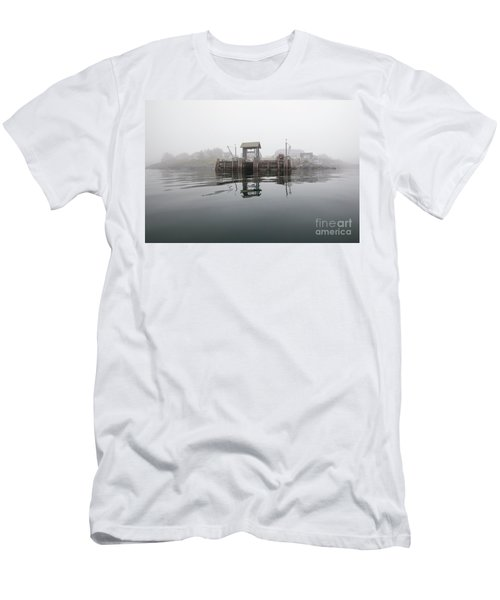 Island Boat Dock Men's T-Shirt (Athletic Fit)