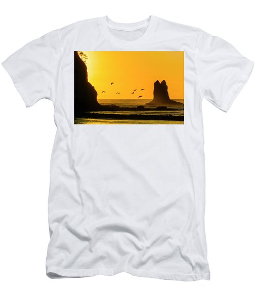 James Island And Pelicans Men's T-Shirt (Athletic Fit)