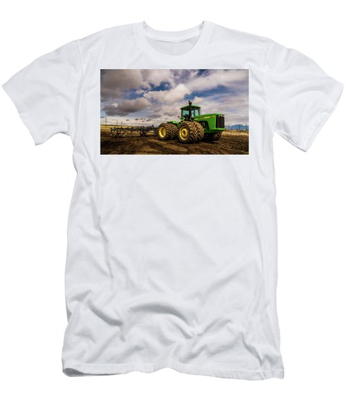 John Deere 9200 Men's T-Shirt (Athletic Fit)