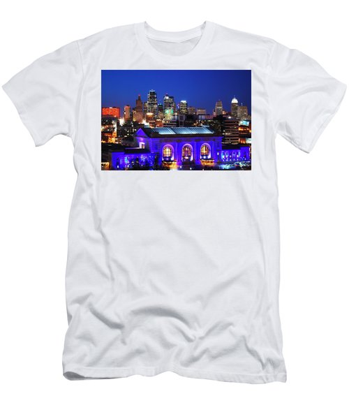 Kansas City Skyline At Night Men's T-Shirt (Athletic Fit)