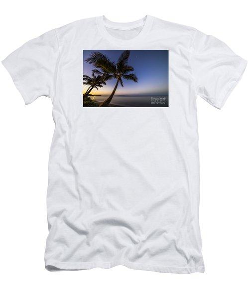 Kihei Maui Hawaii Palm Tree Sunrise Men's T-Shirt (Athletic Fit)