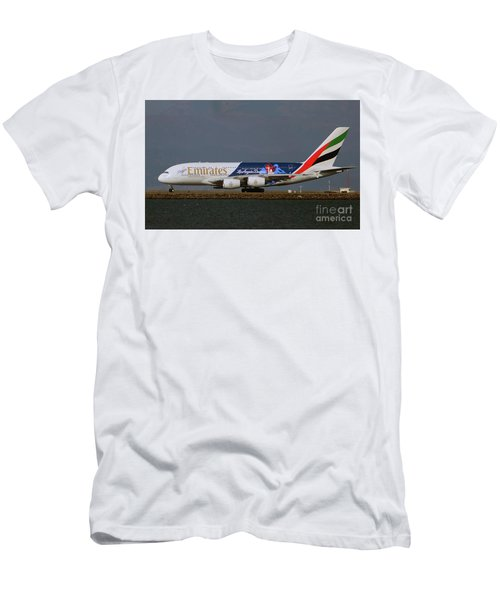 La Dodgers A380 Ready For Take-off At Sfo Men's T-Shirt (Athletic Fit)