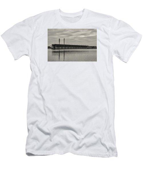 Lake Superior Oar Dock Men's T-Shirt (Slim Fit) by Dan Hefle